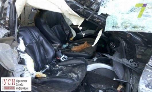 ВОдессе рано утром столкнулись мусоровоз и вседорожный автомобиль: есть жертвы  ОБНОВЛЕНО